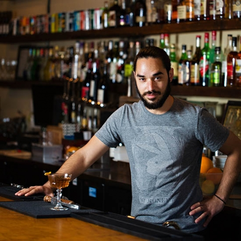 dating bartender girl Should a girl buy a guy a drink glamour's erin meanly chats with bartenders at  bungalow 8 to steal the dating tips they've learned while.
