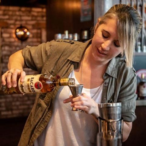 Lindsay Jones | Bartender Atlas